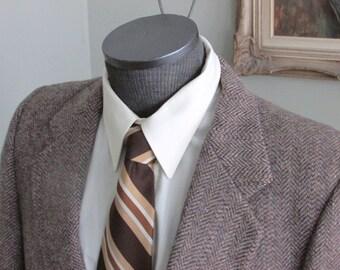Mens Vintage Tweed Sports Coat, Wool Blazer, Suit Jacket, Size 42 Regular, Herringbone Tweed Jacket, , Multi Colored Brown, Hints of Mauve
