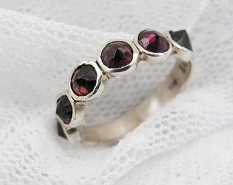 Garnet ring. Sterling silver ring. Natural Garnet spikes ring. Silver ring. Garnet silver ring. Silver garnet ring. Garnet jewelry (sr-9531)