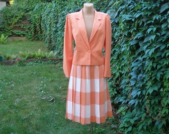 Pretty Skirt Suit Vintage / Two Piece / Size EUR40 / UK12 / Salmon Pink / Peach / White / Viscose / Poly / All Lining