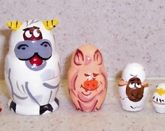 HAPPY Farm - Cow, pig, sheep, chick and duck.  Adorable Handpainted nesting dolls - Hand crafted in Russia - Great quality artwork