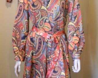 Adele style 1960s  Vintage paisley Dress.Long Sleeved.Mad Men.Silk belt.Hippie.Boho.oRANGE .Brown. Rust. Harvest Colored Fall dress.