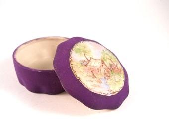 Japanese Porcelain Purple Trinket Treasure Keepsake Ring Box with Hand painted lid