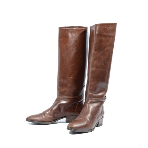 Antonio Melani Size M PERCY Brown Leather Knee High Boots Womens Shoes See more like this. Nine West Riding Boots Brown Leather Knee High Fashion Zip Size M. BOC Born Virginia Brown Riding Style Knee High Boots Wide Calf Women's Pre-Owned.
