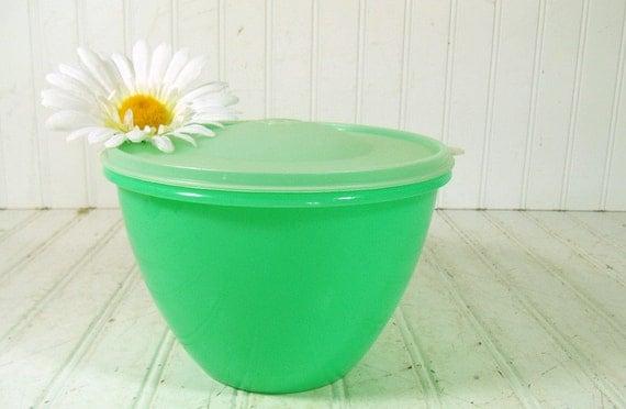 Vintage Green Tupperware Lettuce Crisper Keeper Retro