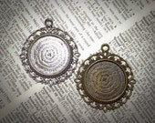 10 - 1 inch Round Vintage Edged Blank Pendant Base Cabochon setting for photos and art Charms- Sale 25mm