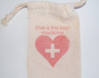 Love is the Best Medicine / Wedding Favor Bags / First Aid Red Cross / Set of 100