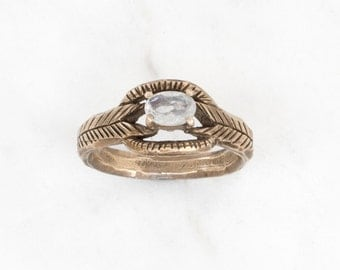 Moonstone deco ring in brass