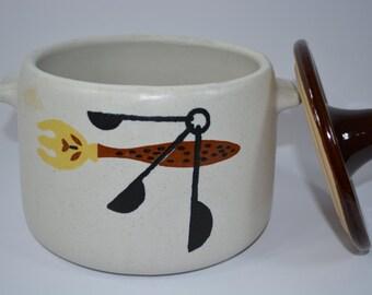 Westbend Ceramic Pot. Tureen. Casserole. Eames Mid Century Detail. Americana