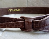 Buckle-less dark brown leather belt  by Muse