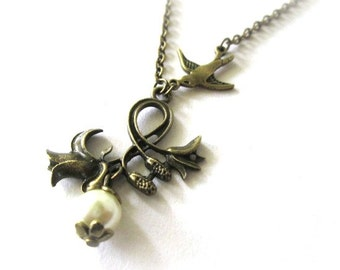 Rose flower necklace with light ivory pearl, antique brass bronze sparrow necklace, victorian vintage style jewelry