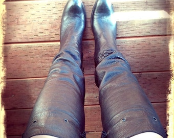 KNEES   ///   Tall Slouchy Leather Boots