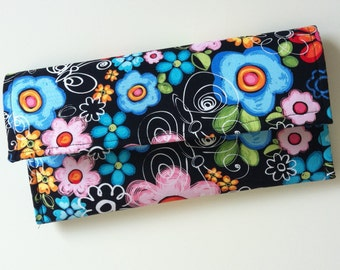 Spring will always be in your hands clutch 060313