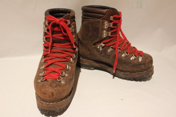 Vintage Hanwag Brown Leather Structured Hiking Boots With