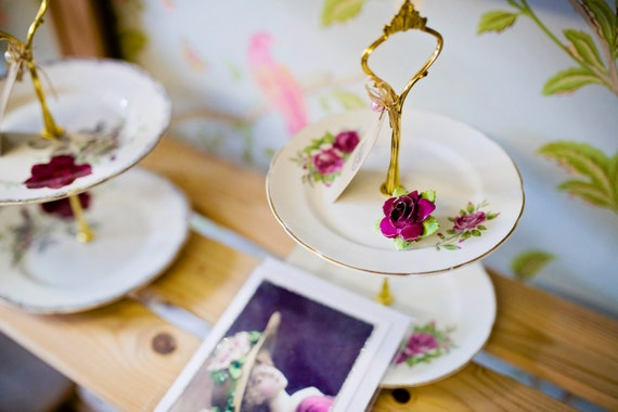 Vintage Mini Cake Stand,trinket Holders.Ideal for soaps & Jewellery,