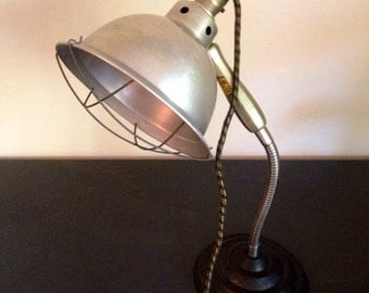 Kas Kel Medical Desk Lamp
