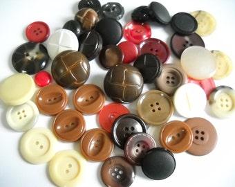 45 Vintage buttons - lotbr8