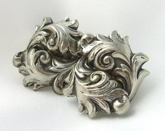 Vintage Unsigned Whiting & Davis Style Earrings Repousse Acanthus Leaf 1950s Greek Revival