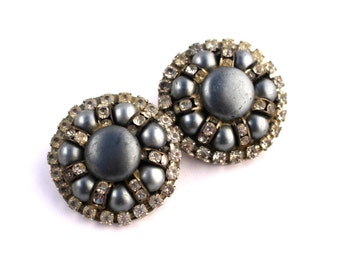 Vintage Hollywood Cluster Clip On Earrings