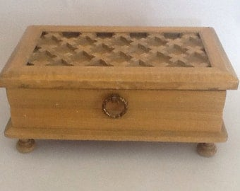 Buxton wooden Box Lattus top retro collectable 8 x 5 x 4