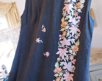 SALE Beautifull KASHMIRI Hand EMBROIDERED Sixties Long Wool Fitted Dress