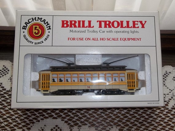 Bachmann ho scale yellow brill trolley car with operating lights 36