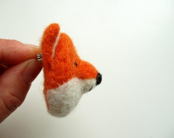 Needle Felted Fox brooch in orange, Animal miniature, eco friendly jewelry, gift for women, animal toy, in gift box
