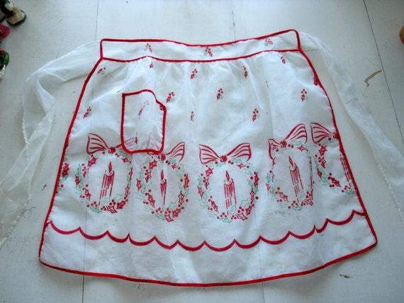 Vintage 1950s Sheer Christmas Apron Flocked Christmas Wreath Candle Design EC