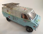 Chevy 1/24 scale Flower power surf van in blue and white car model