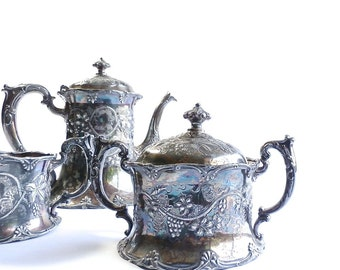 Vintage Silverplate Tea Set - Apollo Quadruple Plate - Teapot - Covered Sugar - Creamer - Art Nouveau