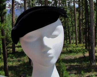 Vintage Black Velvet Beret 50s 60s Hat Velvet Beret I Magnin Hat