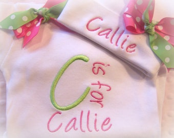 Take Home Outfit, Personalized Coming home outfit, Personalized Newborn Outfit, baby girl clothes, baby gown, first photo hat, name hat baby