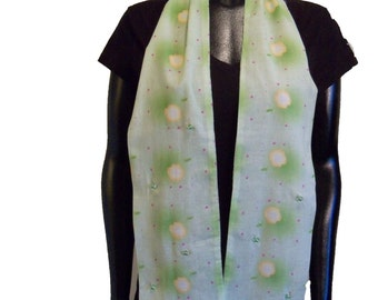 Azlatan scarf with green glass beads