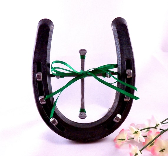 Christian home decor horseshoe with horseshoe nail cross green