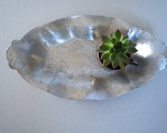 Vintage Aluminum Serving Tray Ivy Pattern- Made in USA by Everlast Metal