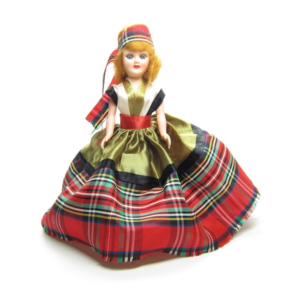 Arco Gas Stations >> Scotland Doll Vintage ARCO Gas Station Dolls of the World Red