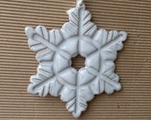 Christmas Ornaments, Ceramic White Snowflake Gift Tags, Snowflake Ornaments, Ceramic Gift Tags, Snowflake Home Decor, Ceramic Snowflakes