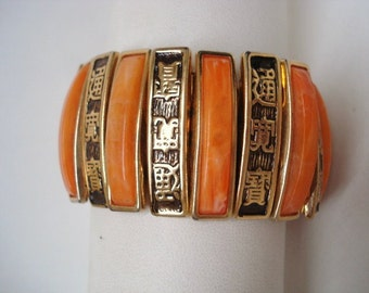 Unique Vintage BAKELITE FLEXIBLE BRACELET -   Gold Tone Metalwork =  Made in Japan = Lovely Color
