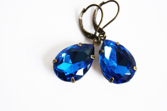 Sapphire Jewelry // Sapphire Earrings // Bridesmaid Earrings // Vintage Earrings // Dangle Earrings // Dangle Earring // Aphi