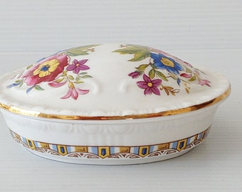 royal garfton trinket box, oval trinket dish royal grafton, Bone china, malvern motif