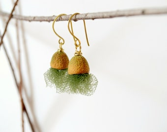 moss green earrings, eco friendly natural jewelry, woodland autumn jewelry, seed pod earrings
