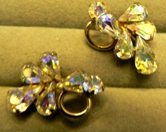 vintage jewels ...  Stunning SHERMAN signed AURORA BOREALIS Rhinestones sparkling screw back Earrings ...