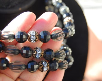 Vintage mid-century HANDMADE bead NECKLACE 3 strand black