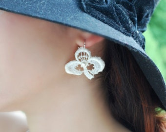 Lace Earrings -- White Clovers, White Pearls, Silver