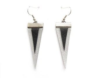 GEOMERTIC TRIANGLE EARRINGS in black&silver