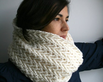 Crochet pattern, girl and women lace cowl pattern, scarf crochet pattern, crochet cowl pattern (118)