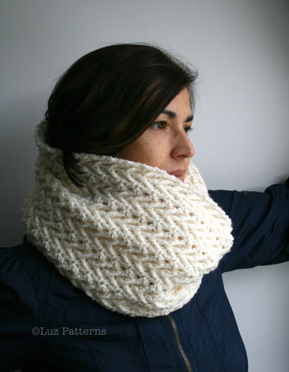 Crochet Pattern For Cowl Scarf : Crochet pattern girl and women lace cowl pattern scarf