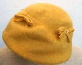 Vintage 50s Gold Mohair Hat with Small Bows