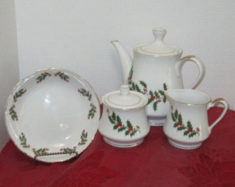 Vintage 4 Piece Holly Trimmed Teapot,Creamer, and Sugar Bowl Plate Set c.1991