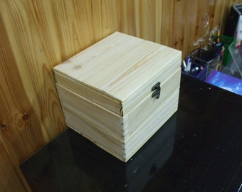 Large Unfinished Plain Natural Hinged Wood Box for Storage, Packing or Crafting