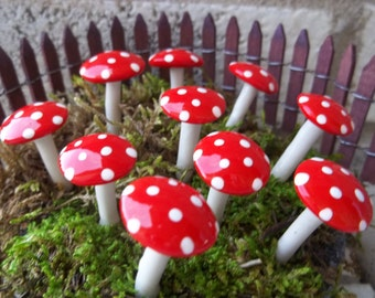 Free US Shipping 10  red miniature mushrooms fairy garden  hatter party wonderland theme gnome garden terrarium accessories